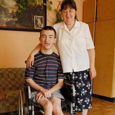 - Codzienne zmaganie się z chorobą Grzesia wymaga wiele sił i poświęceń - mówi Helena Mocarska, matka chłopaka