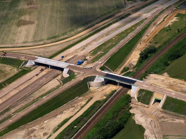 Sto firm żąda zapłaty za prace wykonane na odcinku S5 między Kaczkowem a Korzeńskiem