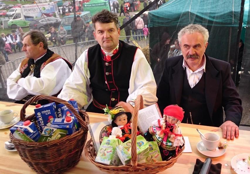 Stanisław Budzeń (w środku) zdobył II miejsce w wyborach Chłopa Roku 2018