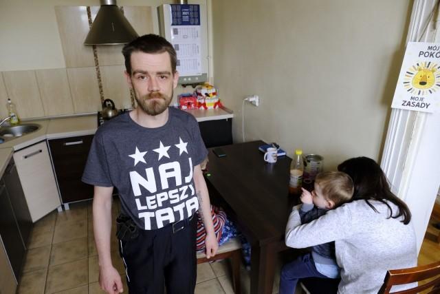 Marek Fabisiak z Torunia jest wdzięczny za pomoc i wzruszony jej skalą. Zrobi wszystko, by poprawić sytuację rodziny. Tak, by dzieci zostały przy nim, w domu.