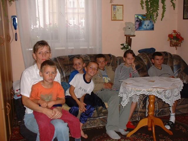 - Moje dzieci nie mają warunków do życia i nauki - mówi pani Małgorzata.