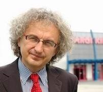 Andrzej Mochoń, dostaje od nas w tym roku brawa za rozpoczęcie wielkiej rozbudowy Targów Kielce