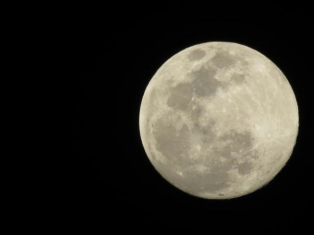 Dziś będzie można zobaczyć Superksiężyc. Zróbcie zdjęcie i wyślijcie na alarm@gs24.pl
