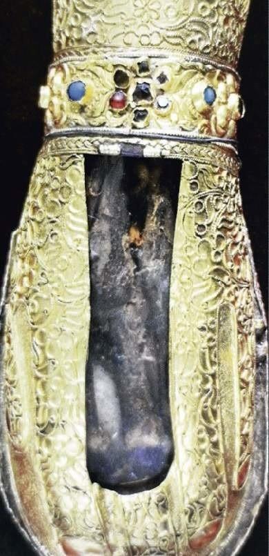 Dłoń Marii Magdaleny schowana jest w ozdobnym relikwiarzu. Można ją oglądać przez szybkę. Dlatego trudno będzie stwierdzić, czy rzeczywiście ma temperaturę 36,6 st. C.