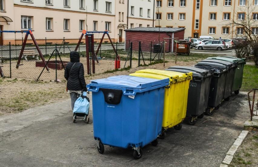 Umieszczenie śmietnika zbyt blisko budynków mieszkalnych czy...