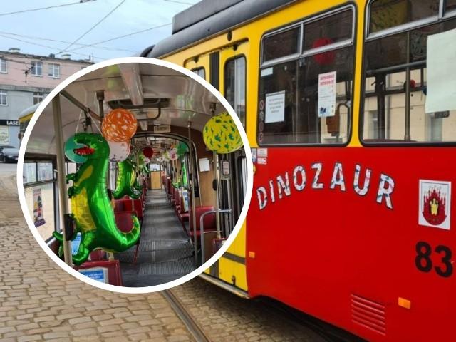 Jeśli chcecie urozmaicić swoim pociechom Dzień Dziecka możecie wybrać się z nimi na przejażdżkę kolorowymi tramwajami. Do wyboru sześć opcji: tęczowy, dinozaur, słodki, kosmiczny i safari. W każdym z nich są tematyczne dekoracje.