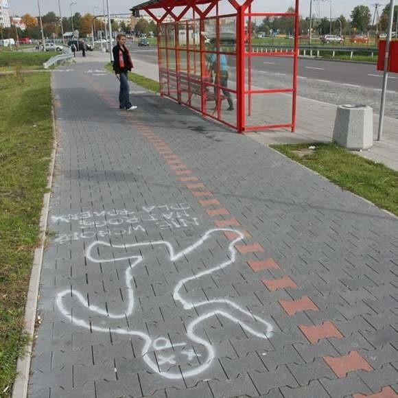 Rowerzyści sami rozpoczęli akcję informującą pieszych, gdzie nie powinni spacerować