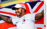 Grał w piłkę z reprezentantem Anglii, lubi żelki i pizzę z truflami. I rządzi w Formule 1. Lewis Hamilton został mistrzem świata
