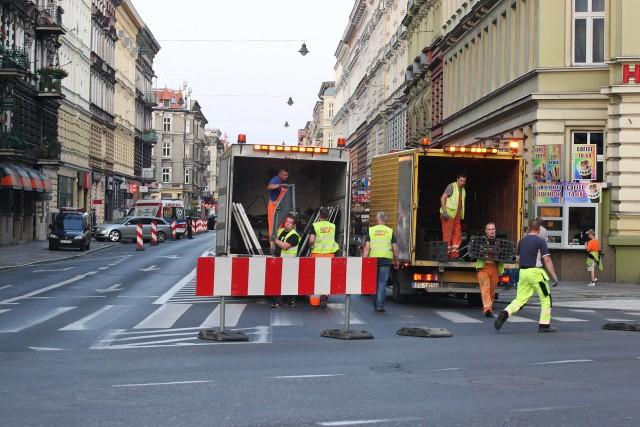 Pilnie przyglądamy się zmianom wprowadzanym na ulicy Jagiellońskiej. Prace przy nowej organizacji ruchu zakończą się nie później niż do 22 sierpnia. Politycy PiS krytykują planowane zmiany.