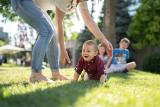Jak zostać rodziną zastępczą? O tym w dzisiejszym odcinku programu Gość Tygodnia Extra