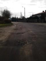 Stare Kurowo: na tej ulicy trzęsie i w aucie, i z nerwów
