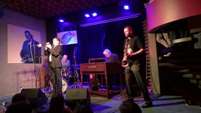 Wojciech Karolak i jego kwartet podczas koncertu w klubie Blue Note.