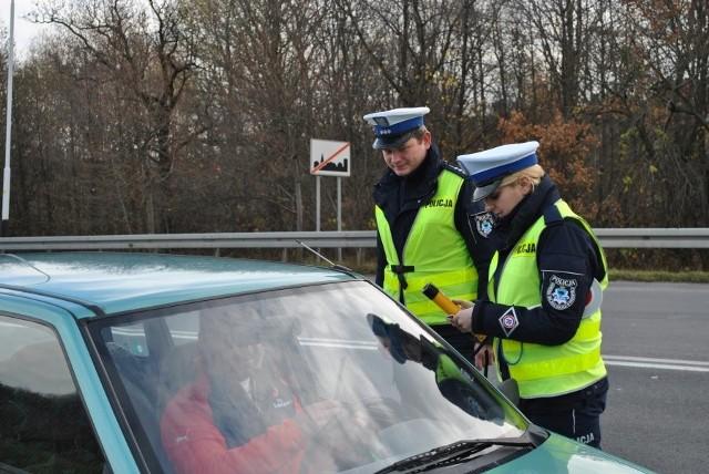 """1300 kierowców skontrolowali podczas sobotniej akcji """"Alkohol - Narkotyki"""" policjanci przemyskiej drogówki."""