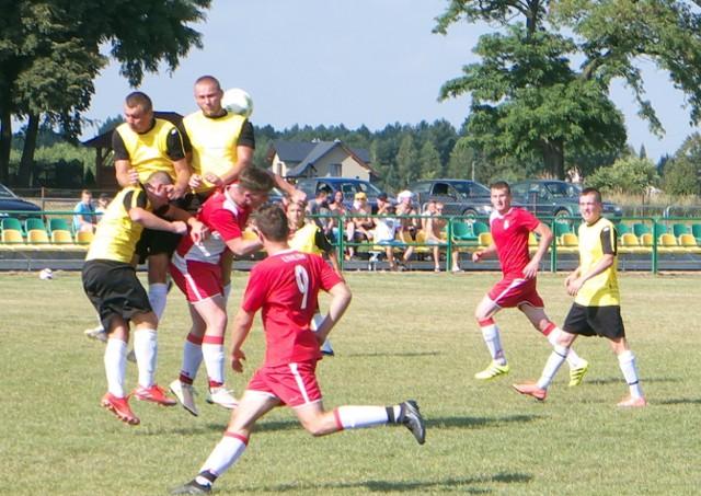 Zorza Jagiełła (żółte koszulki)  nie sprostała rywalowi z Babic.