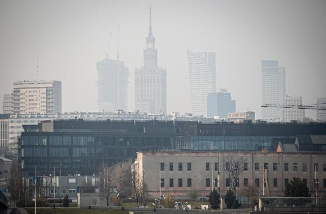 - Spośród 50 najbardziej zanieczyszczonych smogiem miast w Europie, aż 33 to miasta polskie.