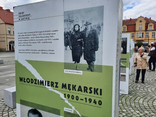Wystawa na skwierzyńskim rynku opowiada, jak wspaniali ludzie zginęli w Katyniu
