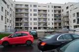 Kupili mieszkania, spłacają kredyty, ale nie mogą się wprowadzić. Mieszkania spółki Wechta przy Morzyczańskiej w Poznaniu nadal stoją puste
