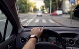 90 proc. kierowców przez pasy przejeżdża za szybko. Zmian w prawie jednak nie będzie