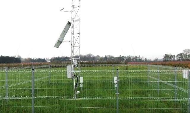 Nowoczesna stacja meteorologiczna stoi w Nowej Wsi. Jej budowa kosztowała ponad sześćdziesiąt tysięcy złotych.