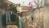 Upadek Muru Berlińskiego: symbol podziału runął 9 listopada 1989 roku [WIDEO]