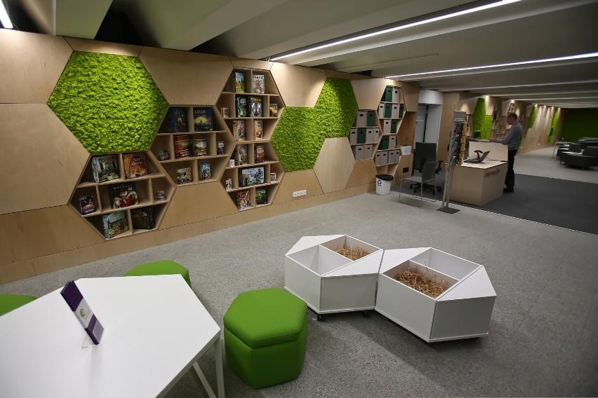 Nowa biblioteka w dawnym Przejściu Świdnickim