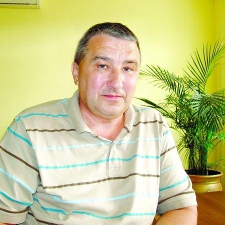 Jedno marzenie Adasia się spełniło. Jest inżynierem i od lat zarządza Wojewódzką Stacją Pogotowia Ratunkowego w Suwałkach.