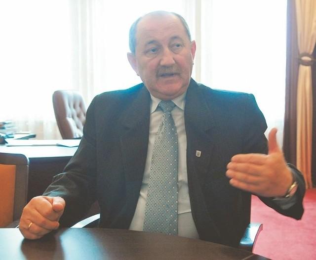 - Zależy nam tez na tym, by wykorzystać nasze walory: lasy, jeziora i ściągnąć jak najwięcej turystów - mówi Andrzej Chinalski