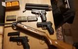 Policyjna akcja w 16 województwach i zabezpieczony pokaźny arsenał. Broń znaleziono też w powiecie stalowowolskim (ZDJĘCIA)