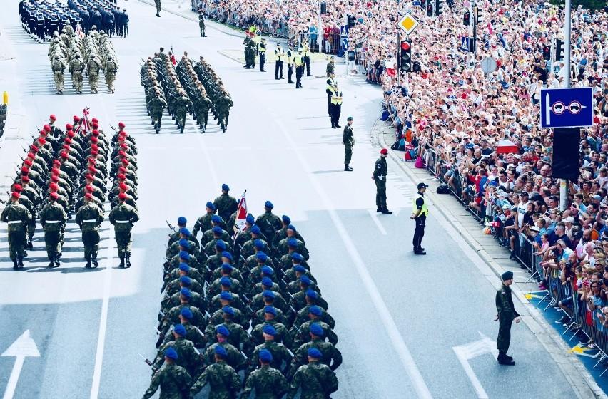 15 sierpnia przy okazji Święta Wojska Polskiego Minister...