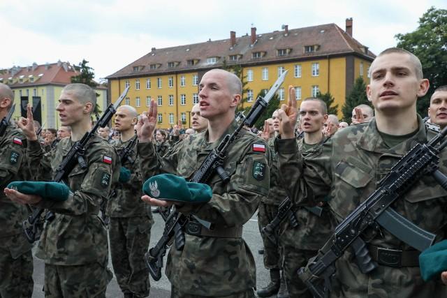 Uroczysta przysięga w Akademii Wojsk Lądowych we Wrocławiu