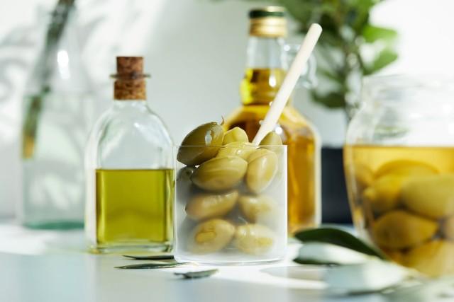 Oliwki to przepyszny dodatek do potraw, który jednak z uwagi na wysoką zawartość soli należy konsumować w rozsądnych ilościach