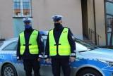 Policyjna eskorta małego dziecka do wieluńskiego szpitala. Małe dziecko potrzebowało pomocy