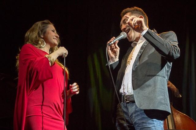 Agnieszka Wilczyńska i Janusz Szrom w duetach brzmieli bardzo interesująco