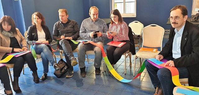 W szkoleniu uczestniczyli przedstawiciele różnych kół mniejszości, którzy dzielili się doświadczeniami. Warsztaty odbywały się w języku niemieckim.