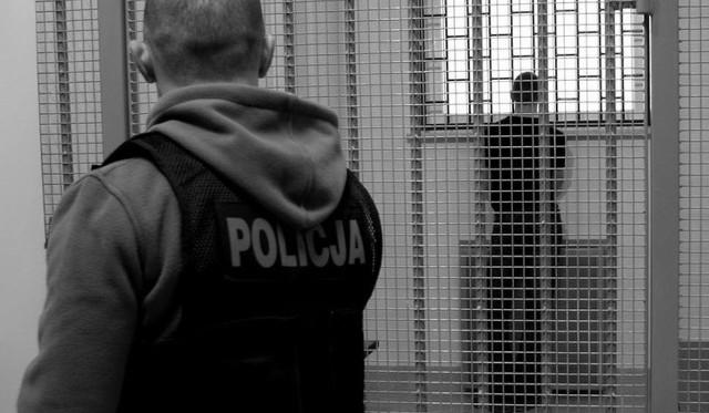 Białostocka policja zatrzymała dwóch mężczyzn podejrzewanych o pobicie 39-latka. Mężczyzna trafił do szpitala