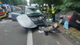 Tragiczny wypadek na DK11: Pod Budzyniem opel wjechał wprost pod ciężarówkę. Nie żyje 6-latek