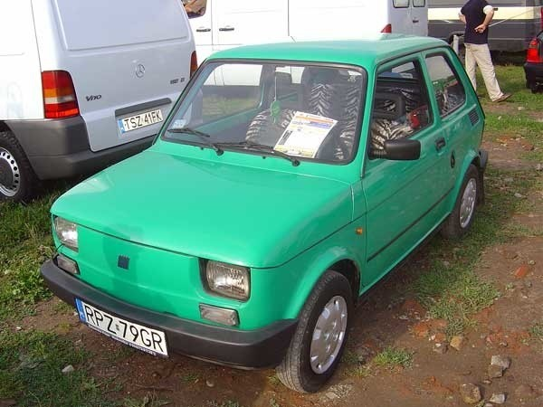 Fiat 126pSilnik 0,65 benzyna. Rok produkcji 1996. Wyposazenie: spryskiwacz, ogrzewanie tylnej szyby Cena 1800 zl.