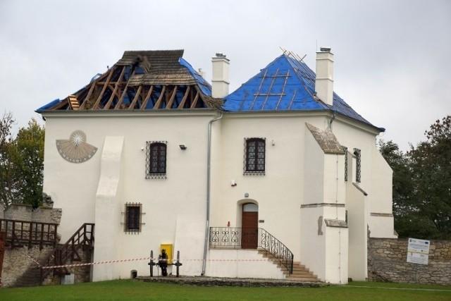 Rozpoczęła się modernizacja dachu Skarbczyka.