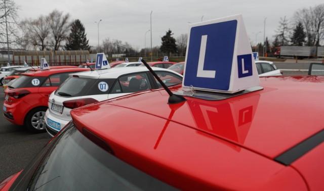 Prawo jazdy 2020 - zmiany. Kierowcy będą mieli nowe uprawnienia. Zdając egzamin kat. B będzie można prowadzić większe samochody