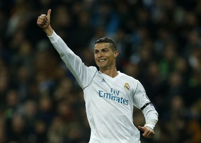 Cristiano Ronaldo. Prawdziwa maszyna do zdobywania goli. Jeśli ktoś twierdzi, że w tym sezonie zawodzi, to na pewno nie w rozgrywkach Ligi Mistrzów. W fazie grupowej zdobył aż dziewięć bramek. Jest autorem ponad połowy goli Realu Madryt w tegorocznej edycji Ligi Mistrzów. Cały zespół z Madrytu zdobył bowiem w rozgrywkach grupowych 17 goli.