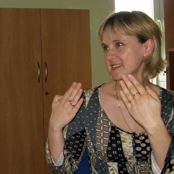 Anna Skubidu z Biura Obsługi Interesantów w tarnobrzeskim UM, nie ma barier w kontaktach z petentami.
