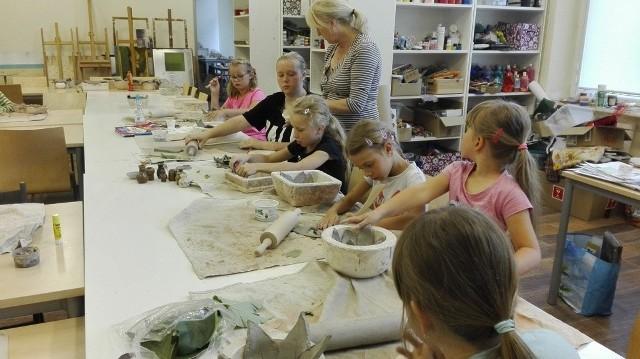 Letnie zajęcia artystyczne w Pałacu Kultury Zagłębia