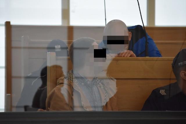 Podczas procesu Psycho Fans oskarżeni starają się zdyskredytować tzw. małych świadków koronnych, wyciągając kolejne brudy Zobacz kolejne zdjęcia. Przesuwaj zdjęcia w prawo - naciśnij strzałkę lub przycisk NASTĘPNE