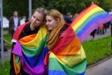 Ulicami Torunia przejdzie marsz równości. Anna Sobecka napisała list otwarty w sprawie parady