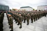 Zarobki w wojsku. Tyle zarabiają teraz żołnierze od szeregowego do generała [kwoty - 15.02]