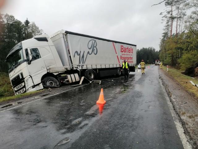 Zderzenie ciężarówek w pobliżu Myszyńca, 15.10.2020