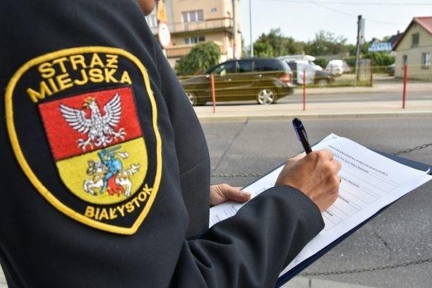 Bezpieczne drogi do szkoły. Policja i straż miejska konroluje rejony podstawówek