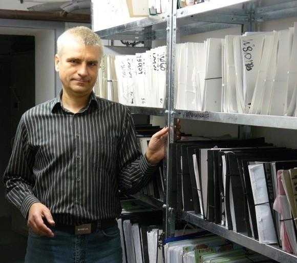 – Dokumenty są już wszędzie. Nie ma gdzie przyjmować kolejnych. Archiwum musi mieć nową, większą i z lepszymi warunkami siedzibę – mówi świnoujski archiwista Waldemar Gołębiewski.