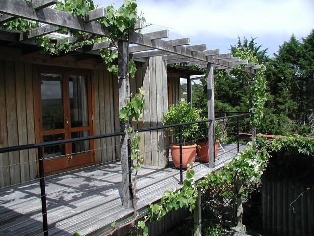Jak przygotować balkon na wiosnę? Czym czyścić kafelki, drewno i beton?Jak przygotować balkon na wiosnę? Czym czyścić kafelki, drewno i beton?
