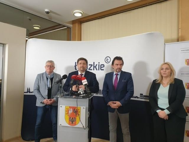 Decyzję marszałka i dyrektorów placówek kultralnych w Łodzi ogłoszono w w południe.